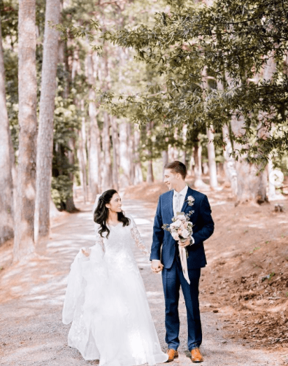 Outdoor wedding photoshoot by Lily Hayes Photography